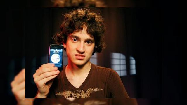 <b>Primul hacker iPhone, subiect de film? Geohot - The Movie (Video)</b>Daca Facebook a beneficiat de un film de succes in box office (The Social Network), de ce nu ar merita si hackerul lui Apple iPhone unul? Creat deocamdata de catre un fan, trailerul de mai jos prezinta un film despre George Hotz aka Geohot, pustiul care a...
